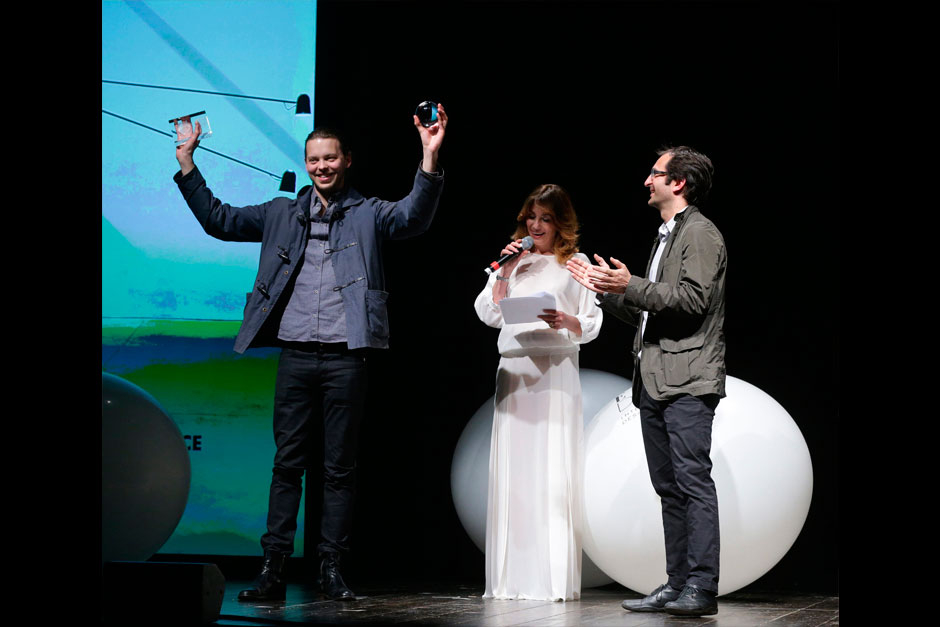 Paola Maugeri presents Daniel Rybakken, Winner designer of lighting category with Alessandro Sarfatti for Luceplan © Canio Romaniello Olycom