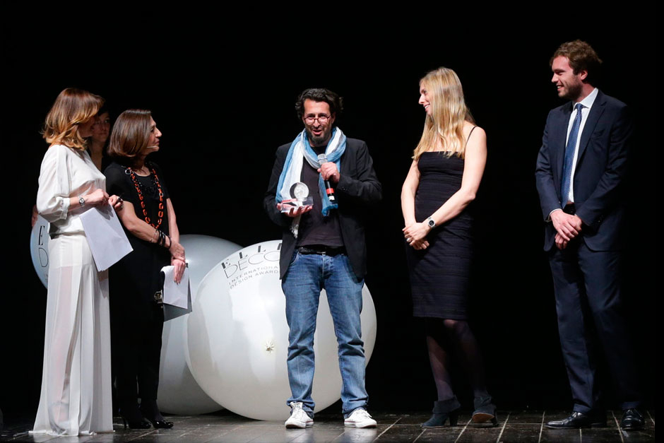 Ron Gilad winner designer of furniture category, among Paola Maugeri and Livia Peraldo Matton (on the left) and Giulia with Giovanni Molteni for Molteni&C © Canio Romaniello Olycom