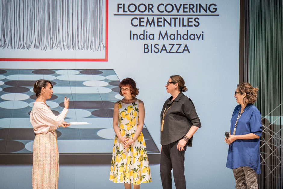 Paola Maugeri, speaker, Rossella Bisazza, Communication Director of  Bisazza, India Mahdavi, designer and Pramiti Mahdavji, Editor-in-Chief at ELLE DECOR India © VALENTINA SOMMARIVA